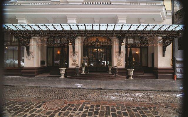 Гостиница Нобилис Украина, Львов - 8 отзывов об отеле, цены и фото номеров - забронировать гостиницу Нобилис онлайн вид на фасад