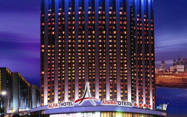 Гостиница Измайлово Альфа вид на фасад