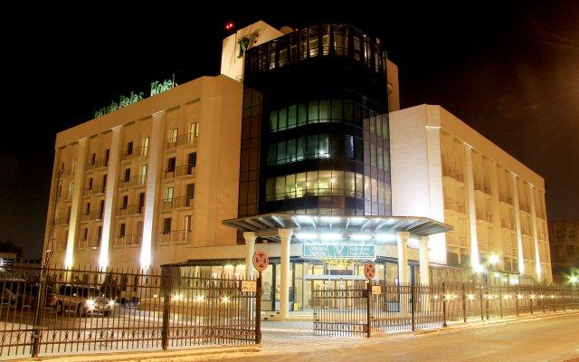 Гостиница Виктория Палас в Астрахани отзывы, цены и фото номеров - забронировать гостиницу Виктория Палас онлайн Астрахань вид на фасад