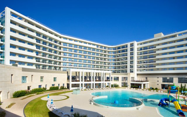 Гостиница Radisson Blu Resort & Congress Centre, Сочи вид на фасад