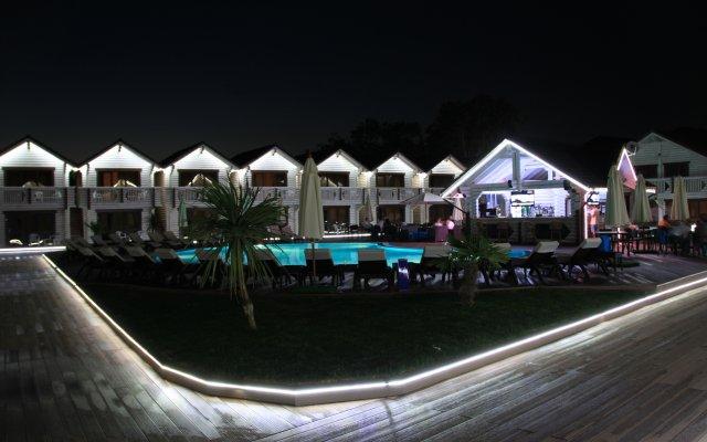 Гостиница Белый Пляж в Анапе 3 отзыва об отеле, цены и фото номеров - забронировать гостиницу Белый Пляж онлайн Анапа вид на фасад