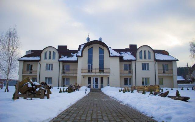 Мини-Отель Усадьба ОС