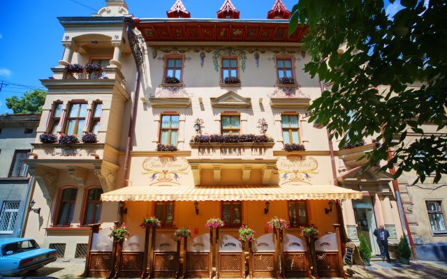 Гостиница Шопен вид на фасад