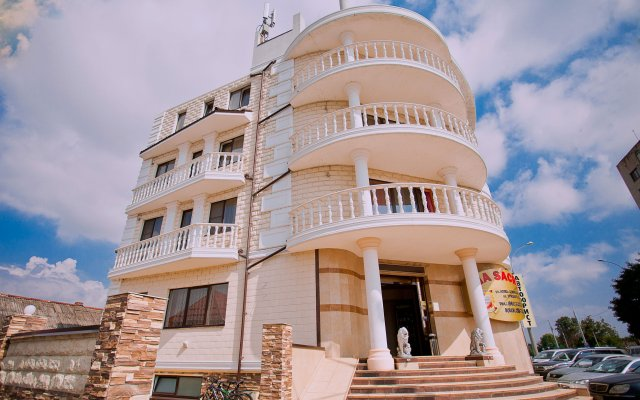 Гостиница Via Sacra вид на фасад