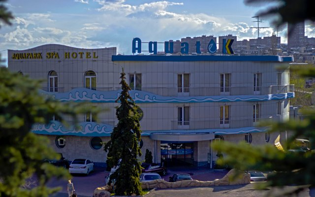 Отель Aquatek Resort and SPA вид на фасад
