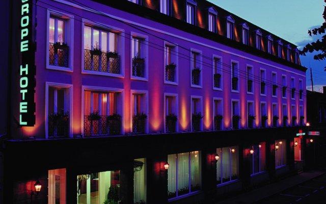 Europe Hotel вид на фасад
