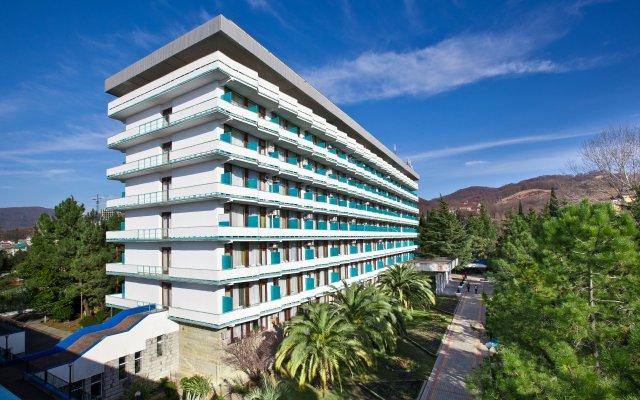 Гостиница Санаторно-курортный комплекс Знание вид на фасад