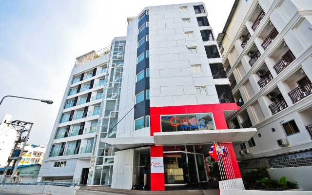 The ASHLEE Heights Patong Hotel & Suites вид на фасад