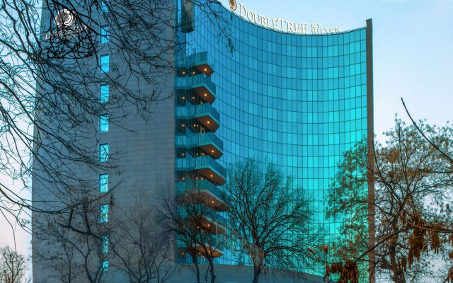 DoubleTree by Hilton Hotel Yerevan City Centre экстерьер