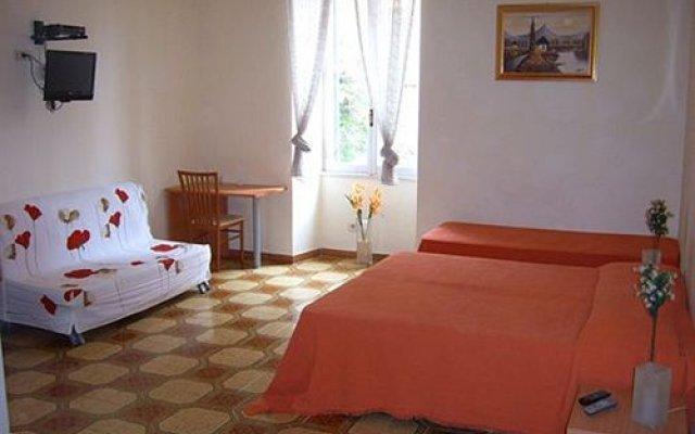 Отель Trinity комната для гостей