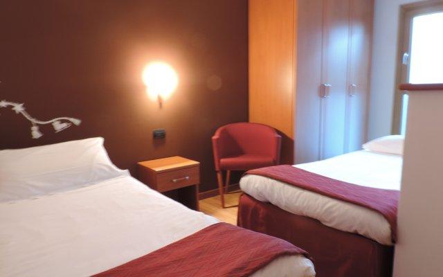 Отель Residence Pizzo Scalino Киеза-ин-Вальмаленко комната для гостей