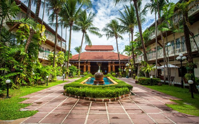 Отель Horizon Patong Beach Resort & Spa вход в здание