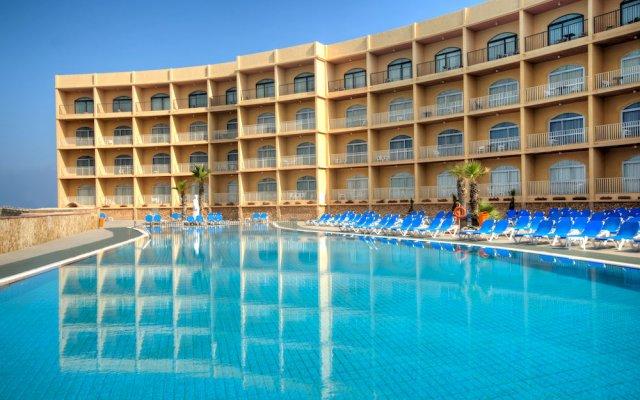 Paradise Bay Hotel открытый бассейн