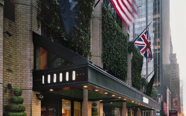 Отель The London NYC Нью-Йорк вход в здание