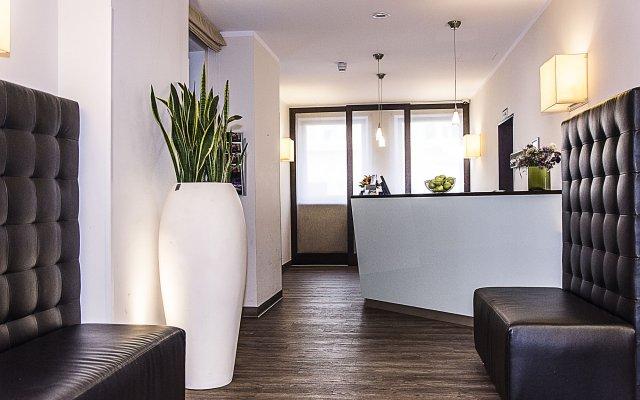 GHOTEL hotel & living München-Nymphenburg лобби