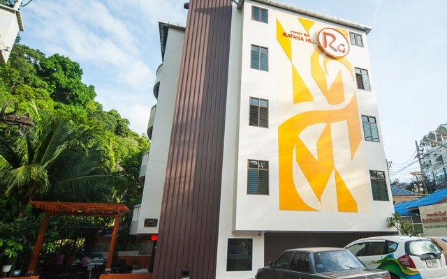 Отель Ratana Hill вид на фасад