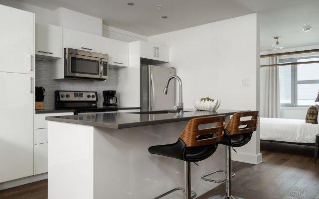 Quartier des Spectacles Luxury Suites by Sonder