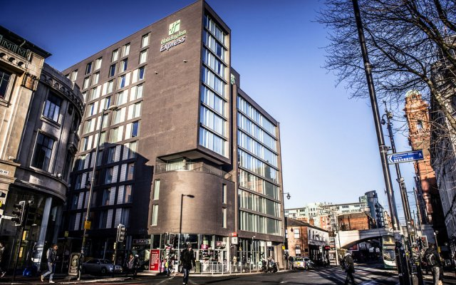 Отель Holiday Inn Express Manchester CC - Oxford Road популярное изображение
