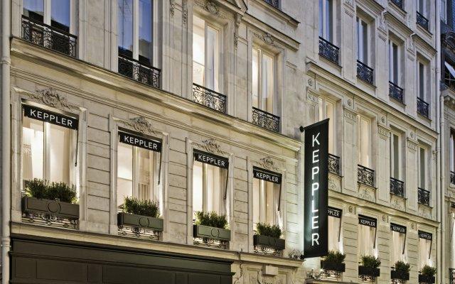 Отель Hôtel Keppler вид на фасад
