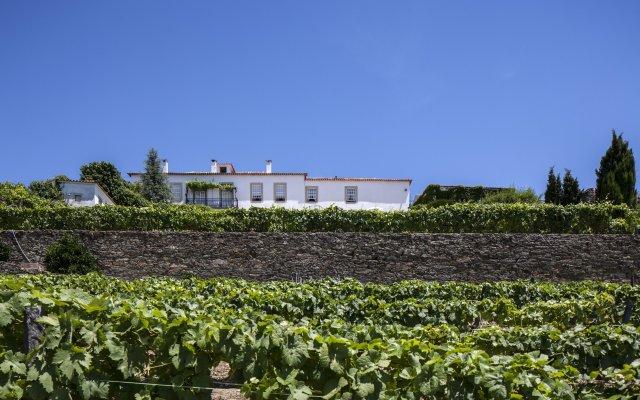 Отель Casa De Casal De Loivos вид на фасад