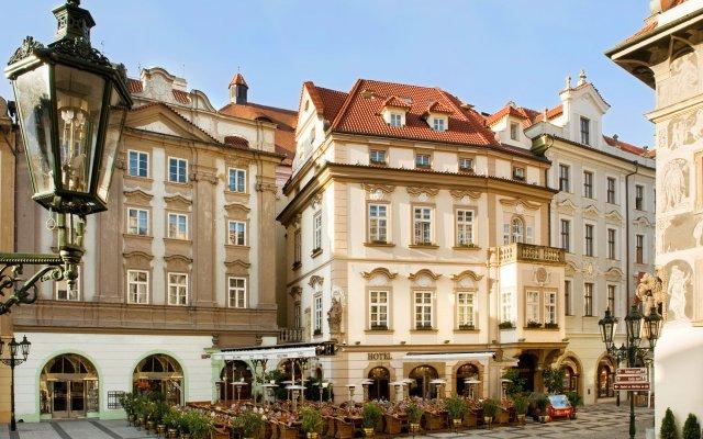 U Prince Hotel популярное изображение
