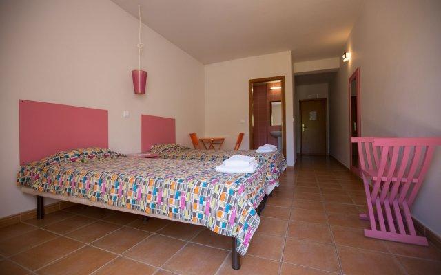 Отель HI Portimão – Pousada de Juventude Португалия, Портимао - отзывы, цены и фото номеров - забронировать отель HI Portimão – Pousada de Juventude онлайн комната для гостей