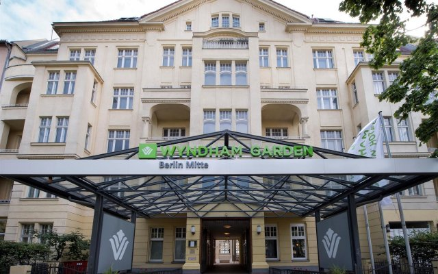 Отель Wyndham Garden Berlin Mitte вид на фасад
