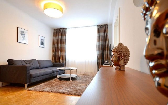Апартаменты Vienna Residence Timeless Apartment With Viennese Charme for up to 2 People Вена комната для гостей