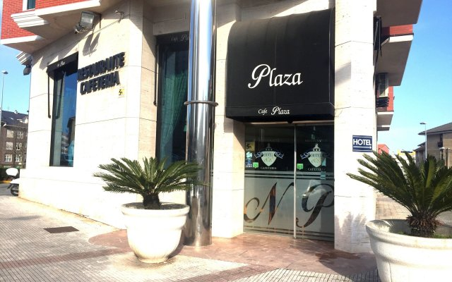 Отель Nueva Plaza Испания, Камарго - отзывы, цены и фото номеров - забронировать отель Nueva Plaza онлайн вид на фасад