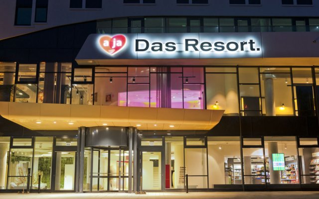 A ja warnemuende das resort rostock germany zenhotels for Aja warnemunde resort