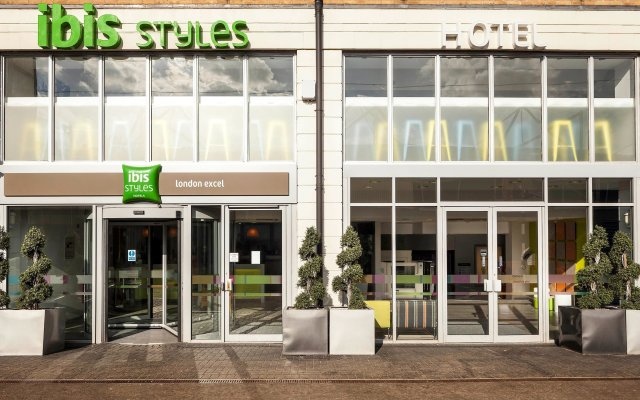 Отель ibis Styles London Excel вид на фасад