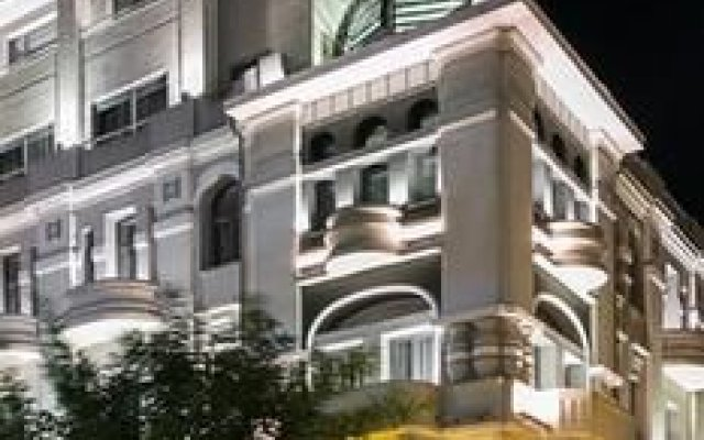Superior One Boutique Hotel вид на фасад