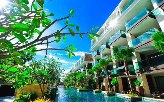 Отель Phuket Graceland Resort And Spa терраса/патио
