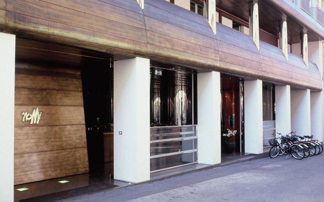 DuoMo hotel вид на улицу