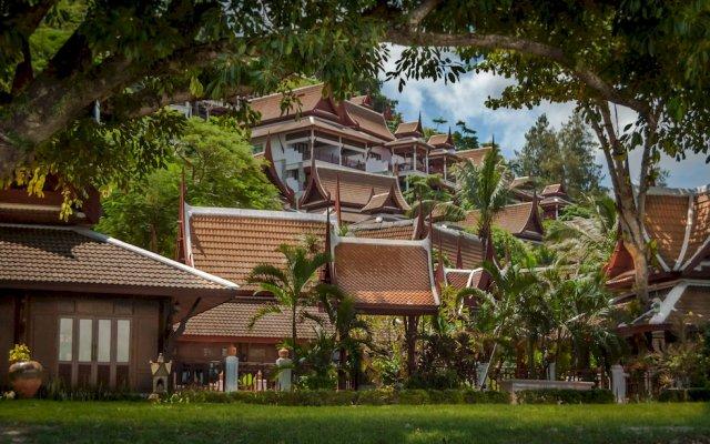 Отель Thavorn Beach Village Resort & Spa Phuket экстерьер