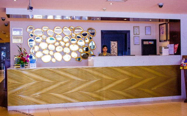 Al Waleed Palace Hotel Apartments Oud Metha 2