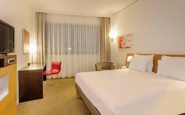 Отель Novotel Muenchen Airport Фрайзинг комната для гостей
