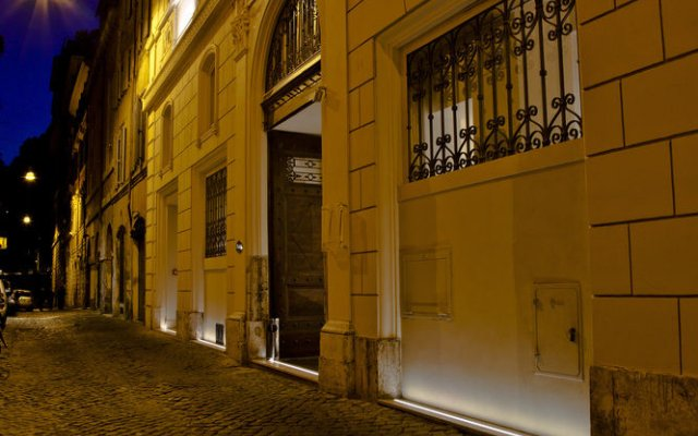 Отель The First Roma Arte