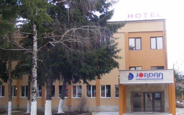 Отель Jordan вид на фасад