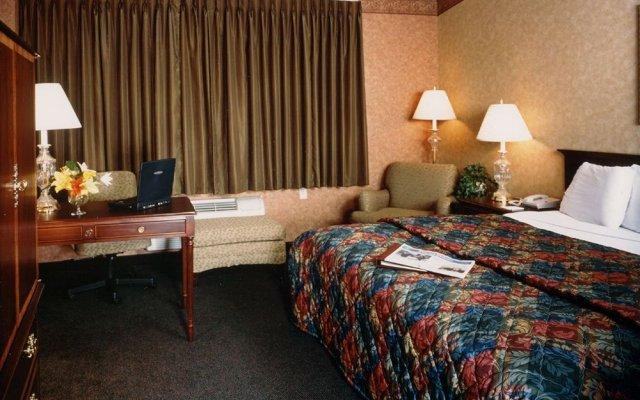 Chicago O\'Hare Garden Hotel 2