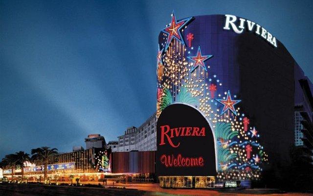 Отель Riviera Hotel & Casino США, Лас-Вегас - 8 отзывов об отеле, цены и фото номеров - забронировать отель Riviera Hotel & Casino онлайн вид на фасад