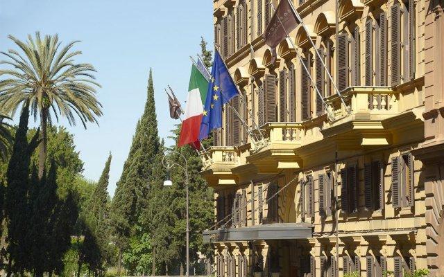Отель Sofitel Rome Villa Borghese вид на фасад