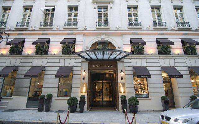 Отель Sofitel Paris Le Faubourg вход в здание