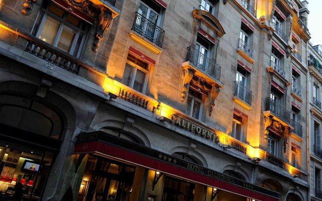Отель Hôtel California Champs Elysées вид на фасад