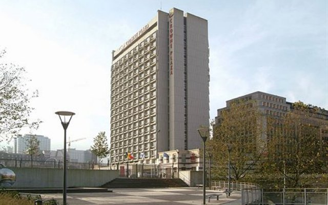 Отель Crowne Plaza Europa Brussels вид на фасад