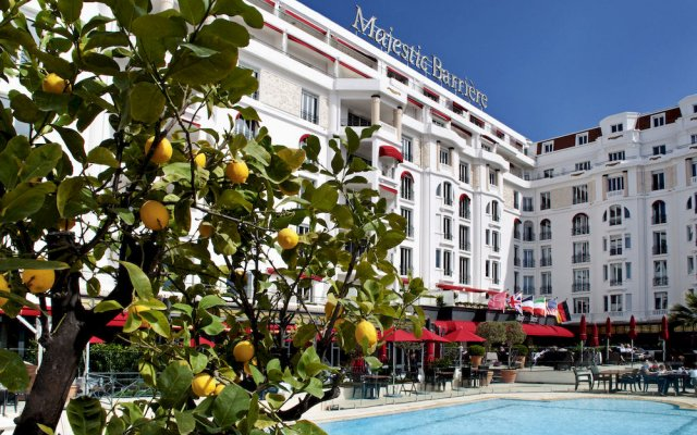 Hotel Barriere Le Majestic 0