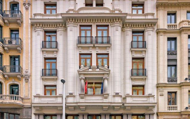 H10 villa de la reina boutique hotel madrid spain - Villa de la reina madrid ...