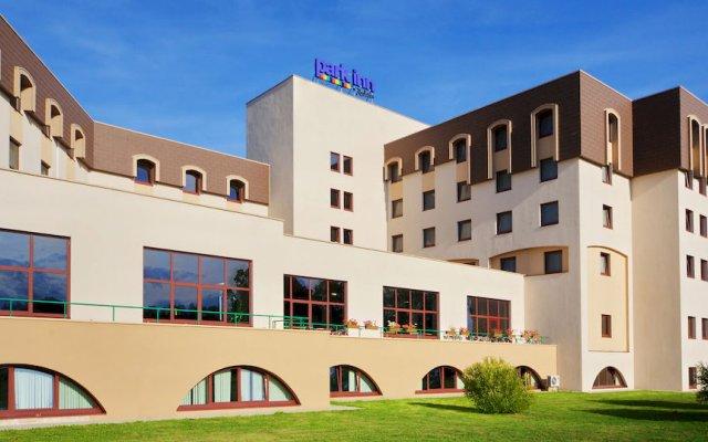 Гостиница Park Inn Великий Новгород вид на фасад