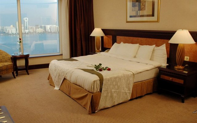 Отель Corniche Al Buhaira Hotel ОАЭ, Шарджа - отзывы, цены и фото номеров - забронировать отель Corniche Al Buhaira Hotel онлайн комната для гостей