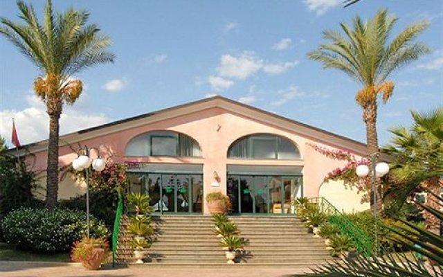Отель Relais le Magnolie Казаль-Велино вид на фасад